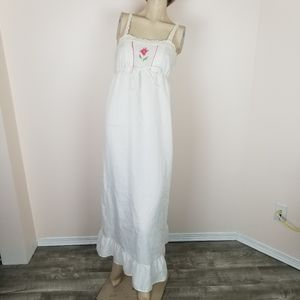 Vintage cross stitch embroidered eyelet nightgown